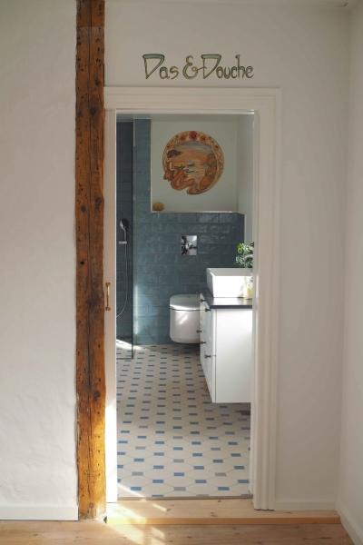 vægdekoration i bad