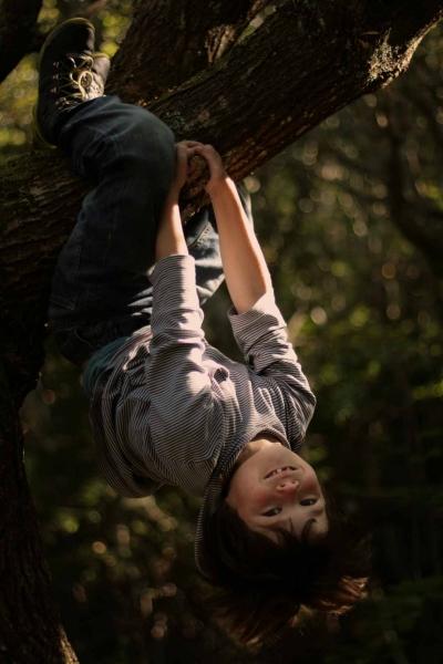 barneportræt i natur