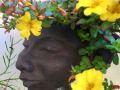 plantehovede med sommerblomst